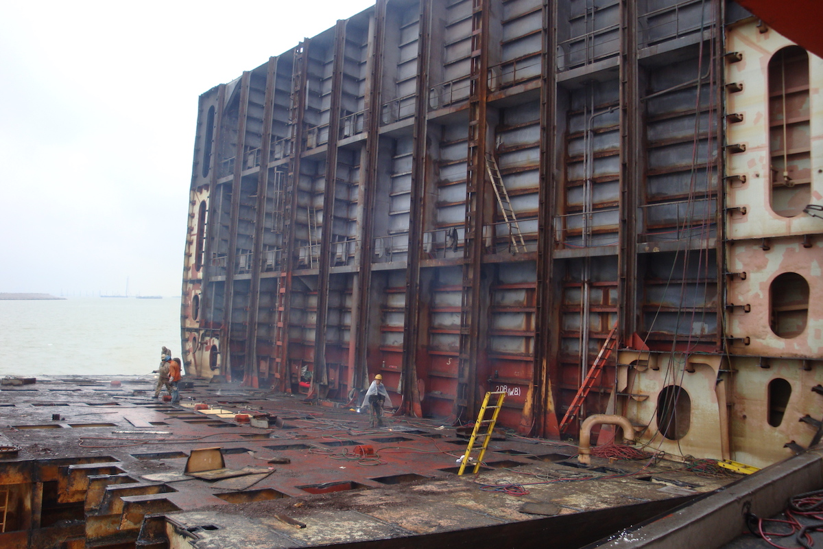 Pop-up Shipbreaking Yard